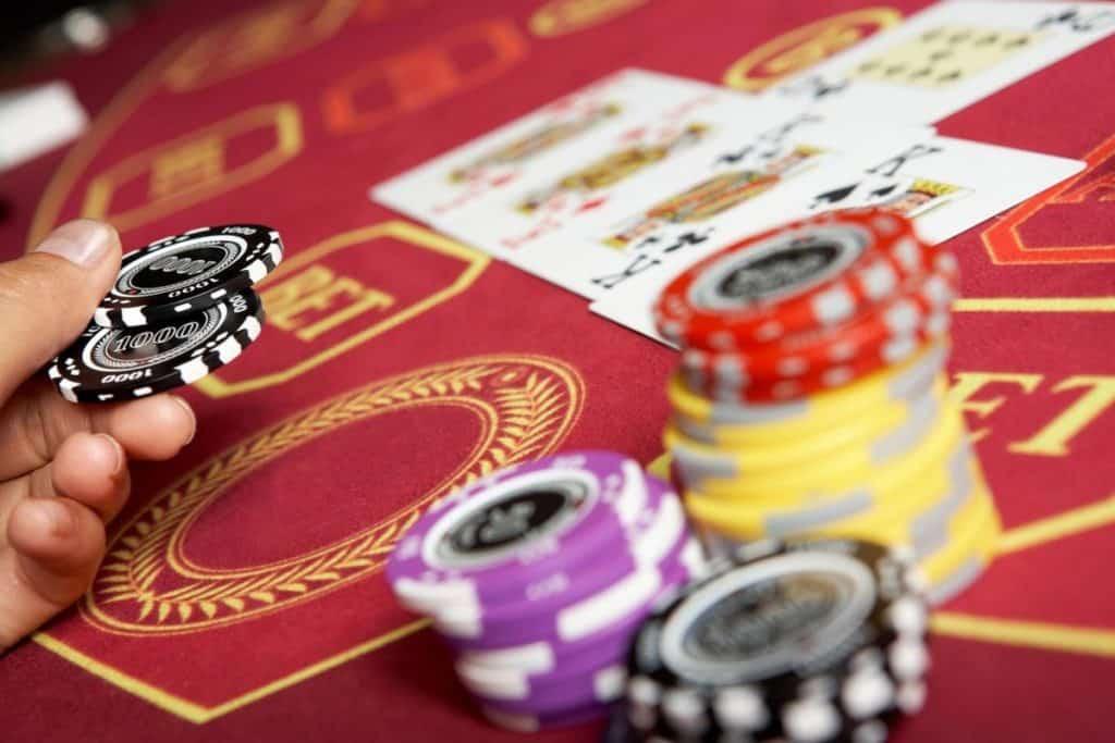 Roll at bitcoin casino